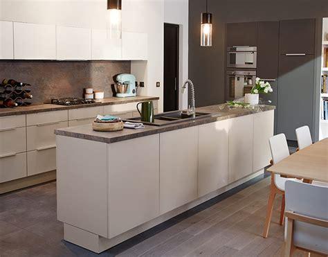 cuisine d architecte castorama cuisine artic blanc mat seigle et poivre une