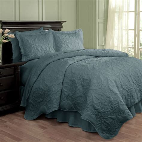 dressed  damask blue  waverly bedding