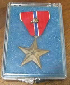 UWM-0003 WWII US Bronze Star Medal w/oak leaf cluster - US ...