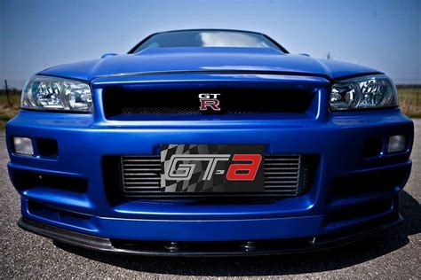 nissan skyline 2002 paul walker paul walker s fast and furious 4 nissan skyline gt r is