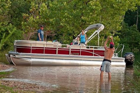 Used Bennington Pontoon Boats In Wisconsin by Pontoon New And Used Boats For Sale In Wisconsin
