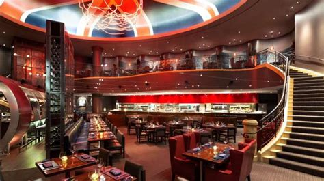 gordon ramsay hell s kitchen restaurant gordon ramsay steak las vegas a cut above fbworld