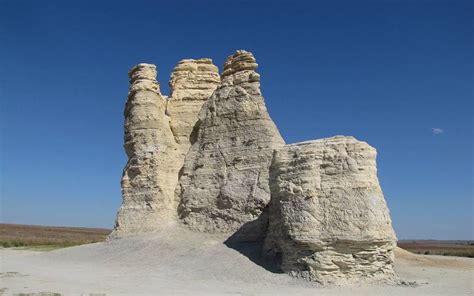 castle rock badlands  western kansas