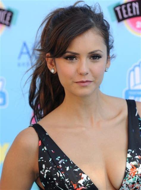 Teen Choice Awards 2013 Arrivals Nina Dobrev Photo