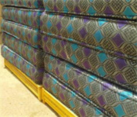 salon marocain traditionnel meubles et tapis sur mesure