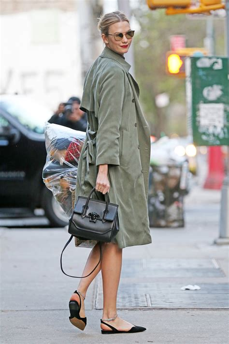 Karlie Kloss With Versace Palazzo Empire Bag Zoe Magazine