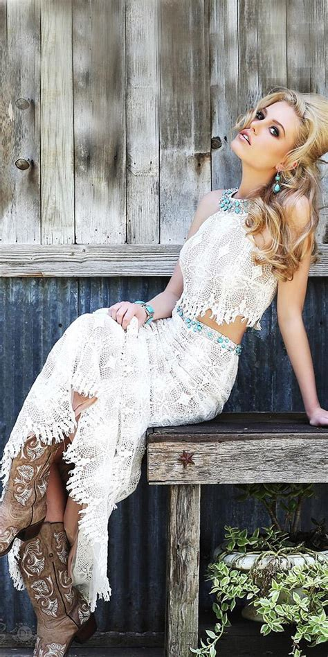 barnyard wedding dresses  inspire  bride wedding