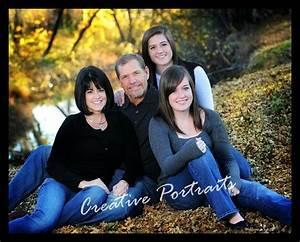 Outdoor Family Portrait Posing Ideas | Family Portraits ...