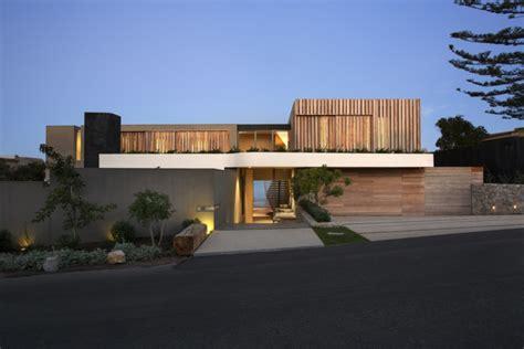 stores à lamelles stores 224 lamelles verticales bois pour l ext 233 rieur et mobilier int 233 rieur design