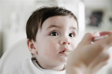 When Should I Start Feeding My Baby Solid Foods