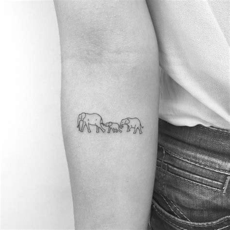 kleine tattoos familie moderne charmante kleine tattoos bringen ihren charakter