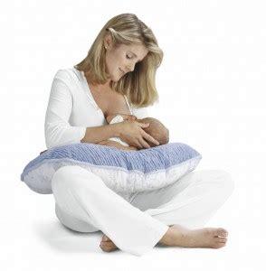 position allaitement bebe assis sponso coussin d allaitement oui mais pas que e zabel maman e zabel