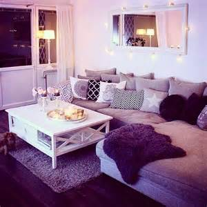 purple livingroom 25 best purple living rooms ideas on