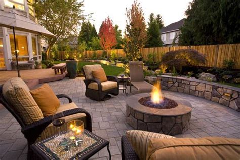 Great Backyard Patios by Great Patios Courtyards And Outdoor Livingrooms Paver