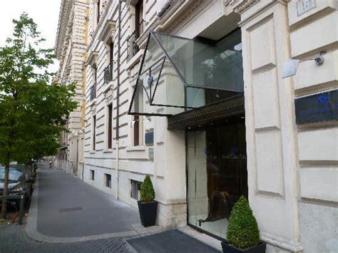 ホテル入り口 picture of garden palace rome tripadvisor