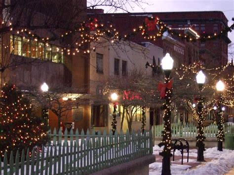 downtown cumberland christmas lights there s no place