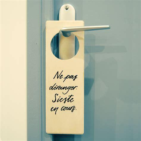 pas de la porte plaque de poign 233 e 171 sieste 187 letters