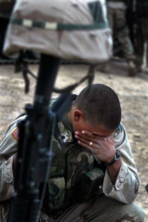 soldiers army crying  wallpaper high quality