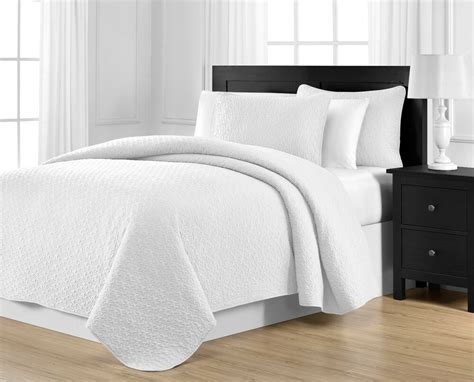 King White Coverlet by Jigsaw Patterned Oversized White 3 King