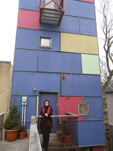 Tiny Cube Häuser by Toronto S Tiny Cube House Sells Again For 475 000