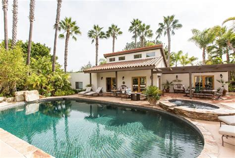hotels airbnb vacation rentals  santa fe  mexico