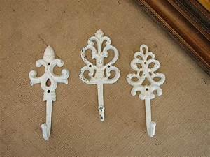 Shabby Chic Hooks : shabby cottage chic set of 3 cast iron wall hooks ebay ~ Markanthonyermac.com Haus und Dekorationen