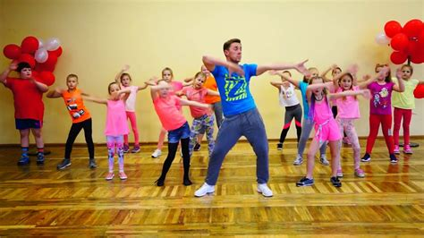 zumba dance move easy exercise kid workout dancing music moves fitness danse spectacle activities fun enfant minions classes gym education