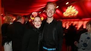 Enie Van De Meiklokjes Kind : enie van de meiklokjes ist schwanger b z berlin ~ Eleganceandgraceweddings.com Haus und Dekorationen