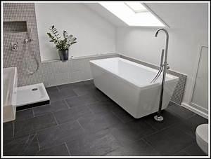Badezimmer Fliesen Streichen : fliesen im badezimmer streichen fliesen house und ~ Michelbontemps.com Haus und Dekorationen