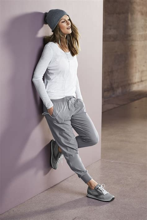 1000+ images about Athleisure The New Uniform on Pinterest | Model street style Joggers and ...
