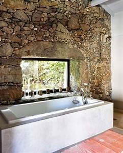 Décoration Murale Salle De Bain : le mur en pierre apparente en 57 photos ~ Teatrodelosmanantiales.com Idées de Décoration
