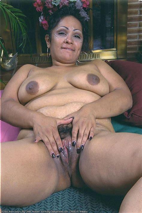 Sexy Mature Latina