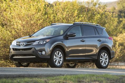 Toyota Rav4 Review 2014 by 2014 Toyota Rav4 Reviews And Rating Motortrend