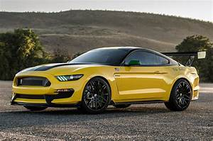 Ford Mustang Shelby Gt350 : custom ford shelby gt350 mustang is inspired by ole yeller airplane motor trend ~ Medecine-chirurgie-esthetiques.com Avis de Voitures