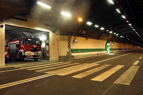 incendie dans le tunnel du mont blanc sapeurs pompiers une vocation