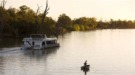 Houseboats Newcastle by Best Rivers For Houseboat Holidays In Nsw Take Me To The