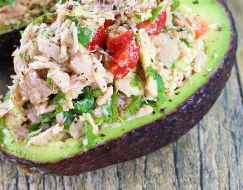 Recetë e shëndetshme: Avokado i mbushur me Tuna - UNIK Portal