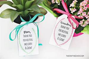 Mother's Day Plant Printable Gift Tags - The Crafting Chicks