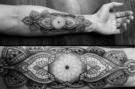 Tatouages Géométriques  Belle Idée Ou Tendance Qui Va S