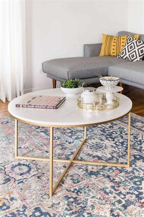 Styling a coffee table is a bit of an art. Best 70+ Best Coffee Table Styling Ideas https://ideacoration.co/2017/07/23/70-best-coffee-table ...
