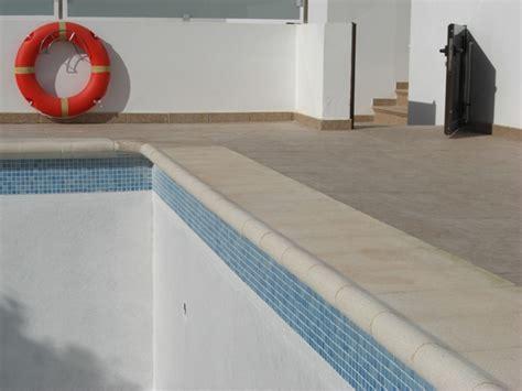 fibreglassing swimming pool lanzarote builders