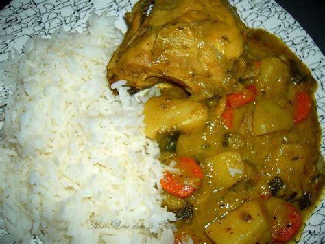 cuisine avec passe plat colombo de poulet antillais une plume dans la cuisine