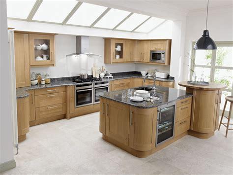 howdens cuisine broadoak contemporary wood kitchen in oak