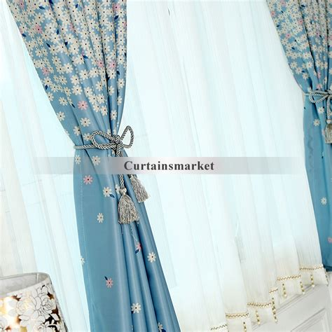 navy blue and white curtains improve atmosphere in your room
