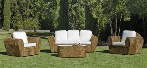 salon de jardin rotin salon de jardin rotin lancaster 5 places avec coussins blanc meubles de jardin decotaime fr