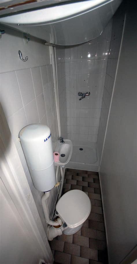 mille pattes salle de bain la plus salle d eau jamais vue studio d archi le d architecte de nicolas sallavuard