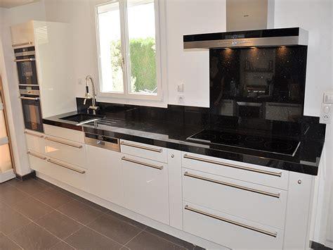 cr馘ence cuisine blanche credence pour cuisine blanche maison design bahbe com