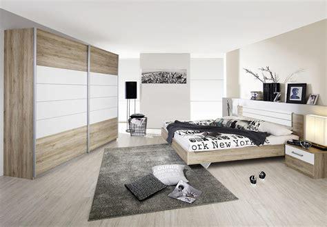 chambre a coucher contemporaine chambre adulte contemporaine coloris chêne clair blanc