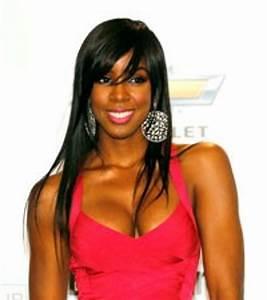 Kelly Rowland Plays Cougar DJ on 'Single Ladies'