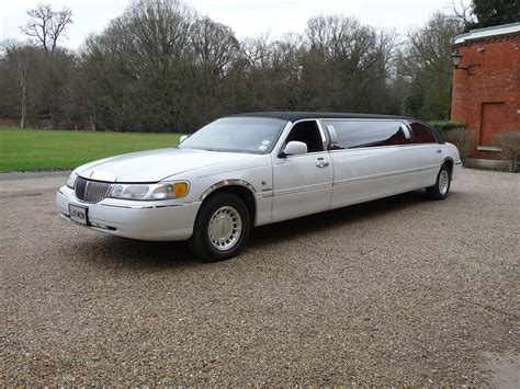 White Limo by Rent A Lincoln Town Car Stretch White Limo Hire Rent A Limo